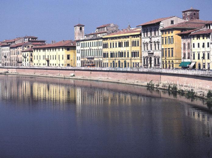 Pisa arno fiume