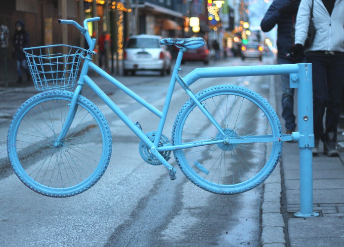 islanda bicicletta traffico