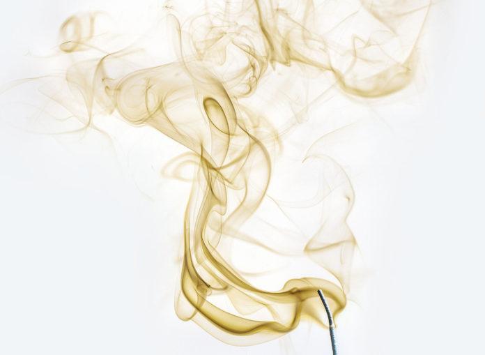 odore fumo puzza