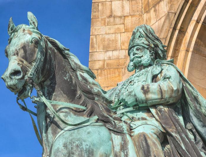 statue cultura smog