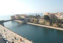 Taranto Canale Navigabile Castello Aragonese