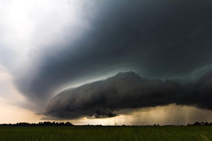 meteo cumulonimbus nuvole cielo