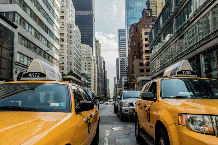 taxi traffico citta NY
