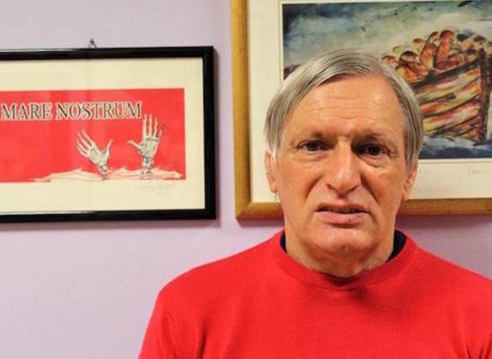 Luigi Ciotti maglietta rossa