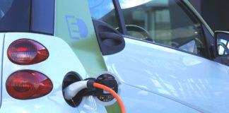 auto elettrica città traffico