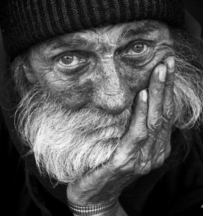 senzatetto poveri spreco