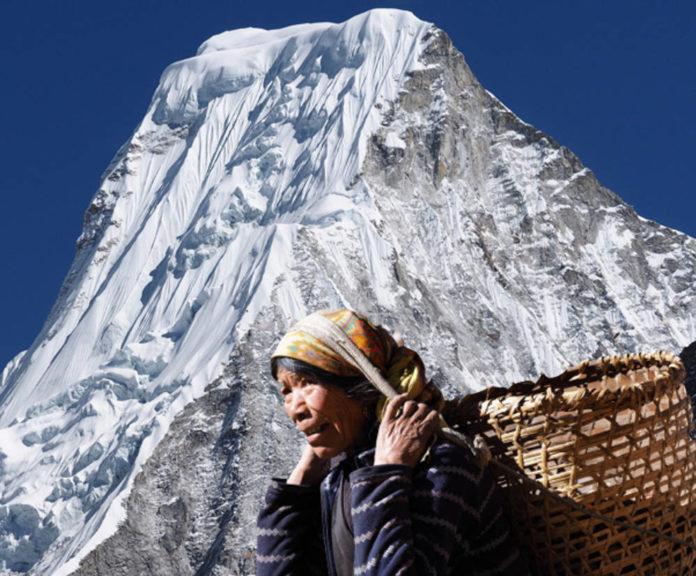 Tibet Donna di etnia sherpa