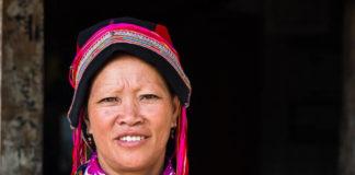 vietnam donne dao ricamo