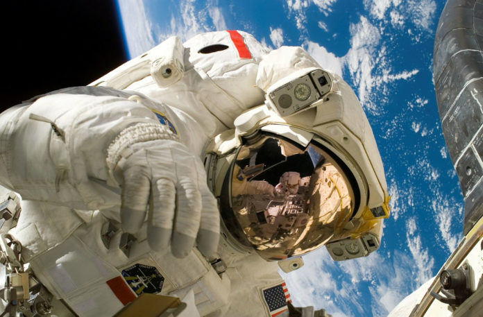 astronauta spazio 86