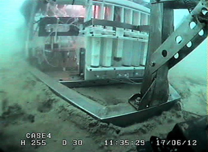 Il lander Amerigo durante la discesa e all'opera sul fondale