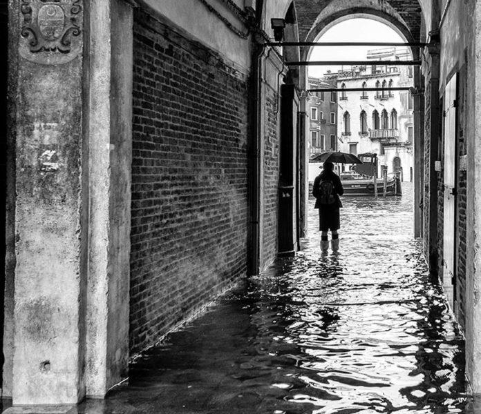Venezia in un momento di acqua alta. Ph. Marco Anzidei