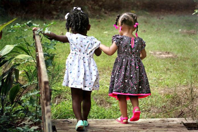 bimbi razzismo felicità