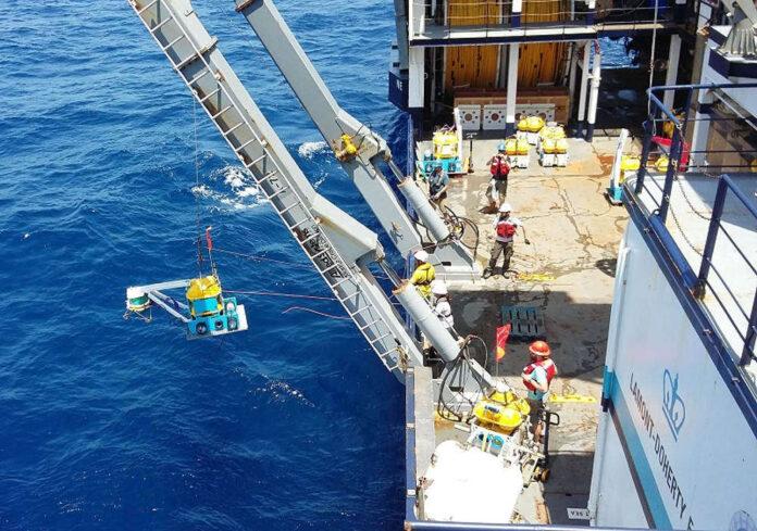 Installazione stazioni sismiche sui fondali Atlantico